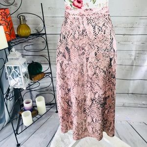New look 4 pink and black snake skin pattern skirt